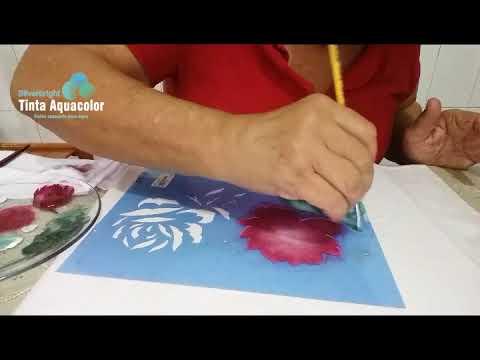 Pintura com stencil de Rosas