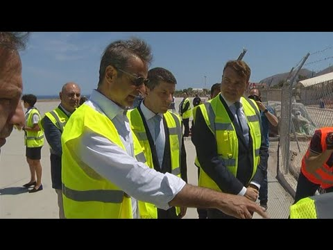 Eπίσκεψη του Πρωθυπουργού Κυριάκου Μητσοτάκη στα έργα αναβάθμισης του αεροδρομίου της Σαντορίνης