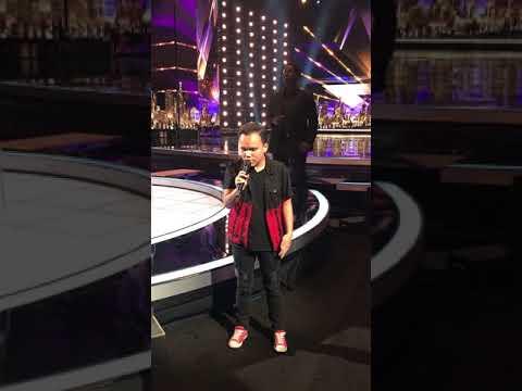 Kodi Lee at America's Got Talent Stage! (видео)