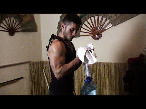 Ćwiczeń, aby utrzymać napięcie mięśni mężczyzn