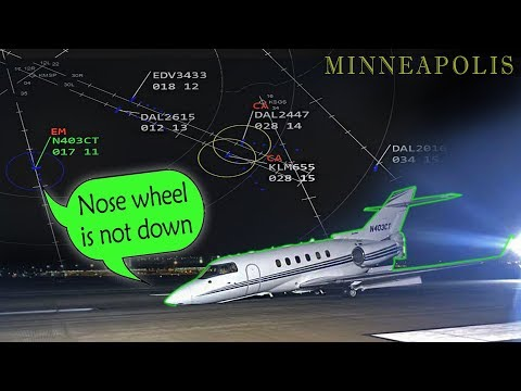 [REAL ATC] Hawker LANDS WITH NOSE GEAR UP at Minneapolis!
