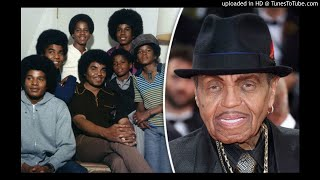 """Joe Jackson Is Reportedly Dying of Pancreatic Cancer; Jackson Family """"Banned"""" From Seeing Him."""