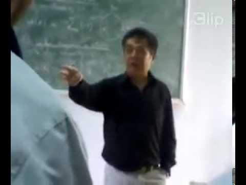 Thầy giáo say sưa nói về Barca và Xavi trong lớp học...Người thầy trong mơ của tôi