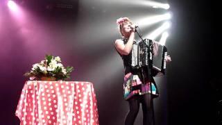 Zaza Fournier - Mademoiselle (Live)