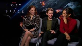 LOST IN SPACE Interview Mina Sundwall + Maxwell Jenkens + Taylor Russell NETFLIX best prank on set