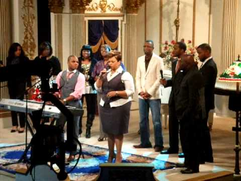 now behold the lamb tamela mann mp3
