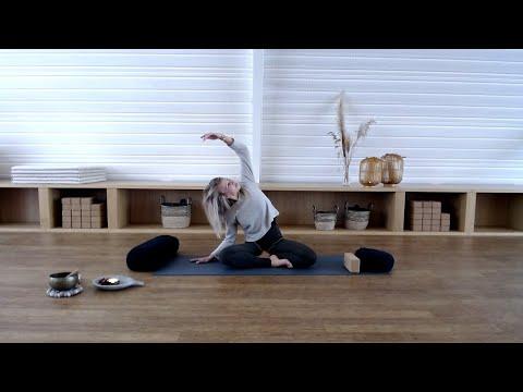 Yin with Julia Blohberger