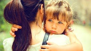 Мама с дочуркой остались совсем одни. Но однажды они встретили в парке... Трогательная история...