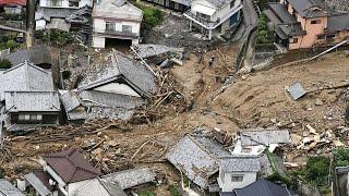 Alunecare de teren dezastruoasă provocată de ploi abundente