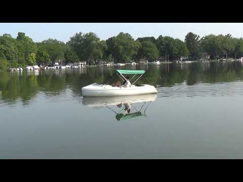 Encore Pedal/Electric Boat in Motion