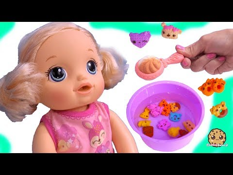 Feeding Baby Alive Num Noms Magic Cereal Surprise Blind Bags - Toy Video
