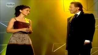 KAREL GOTT & LUCIE BÍLÁ -  JEN JEDNOU SMÍM SE TI LÁSKO VZDÁT  g
