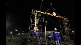 Pórticos são instalados para segurança da obra do viaduto na Nova Entrada de Santos