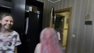 Оно, клоун пугает валю в видео viar 3d , 3D очки , пранк , прикол испуг. Видео 360 виртуальные очки