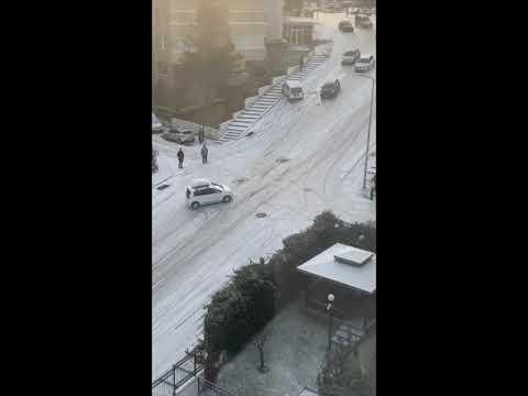 Karda kayan arabalar