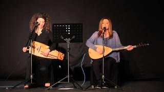 Mercan Erzincan/Eléonore Fourniau - Ağ Elime Mor Kınalar Yaktılar