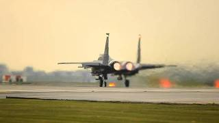 preview picture of video 'Two F-15E's Take off from RAF Lakenheath'