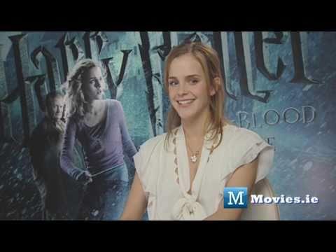 Emma Watson (Hermione) talks about KISSING Rupert Grint (Ron Weasley) in Harry Potter