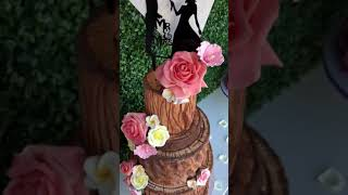 Rose Bunch Wedding Cake on Wooden trunk