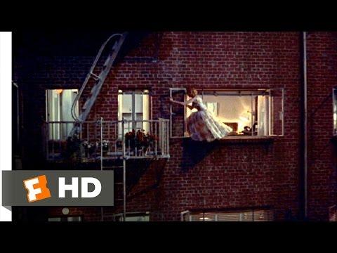 ソーワルドの部屋に侵入するリサ