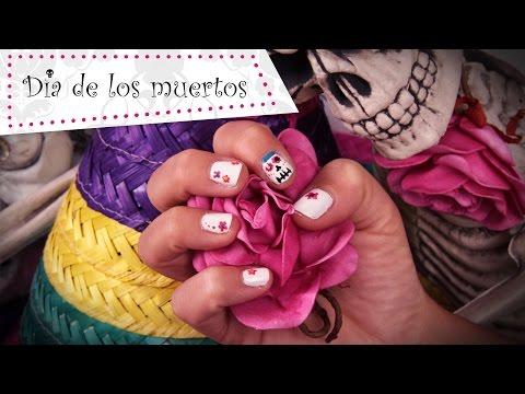 Nail Art Halloween sur le thème Dia de los Muertos