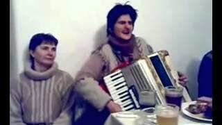 Balada Pizdei - Cantata de o baba la acordeon