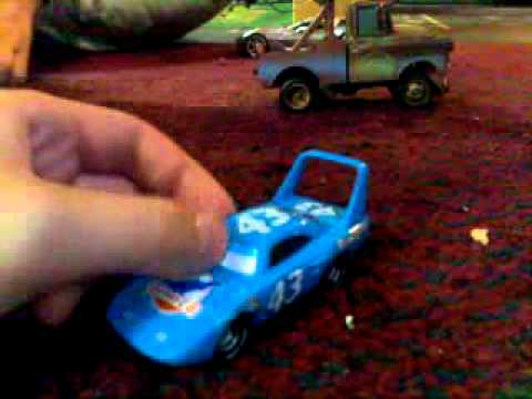 Diecast Review On Pixar Cars: The King With Moving Eyes