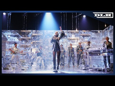 Dua Lipa - Don't Start Now (Live on The Graham Norton Show)