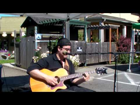 Steve Grandinetti playing Little Red Rooster 7-4-12 Port Townsend, WA
