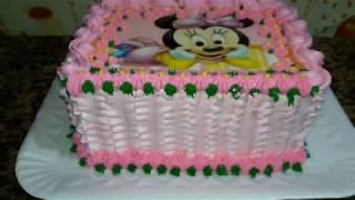 Decorado bolo com chantilly  rosa  da minnie  papel arroz