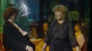 B.A. Robertson & Maggie Bell - Hold me 1982