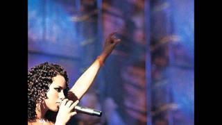 Alicia Keys - Unbreakable **with lyrics**