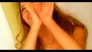 Burcu Güneş - Biz Aşkı Meleklerden Çaldık (2001) Orjinal Klip
