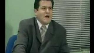 """Βίντεο που ξαναβάζει στο παιχνίδι τον τέως Κωνσταντίνο ως """"εθνικό μαλάκα""""!!! :))) (από Cunning Linguist, 14/03/09)"""