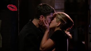 Ross & Rachel Kiss Scenes