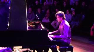 Repertório de pianista dedicado ao Pink Floyd será apresentado no Guairinha