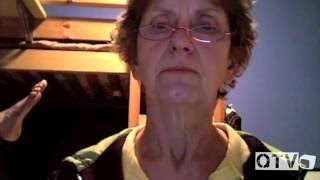 Grandma Plays Scary Maze Game