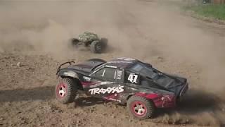 Traxxas Slash 2WD Offroad Jumping