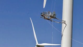 Workers go to great heights to fix P.E.I. wind turbine
