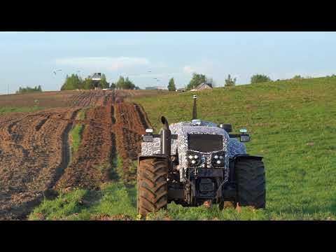 Beloruski traktor bez traktoriste
