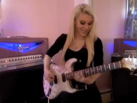 Female Guitarist Shreds Over the Mountain Solo!!!