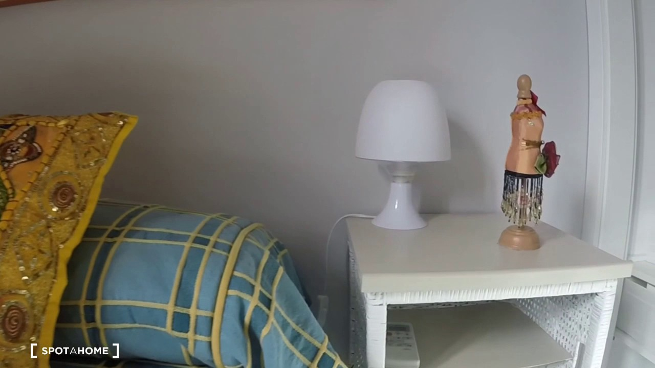Rooms for rent in a 2-bedroom apartment with AC in Usera