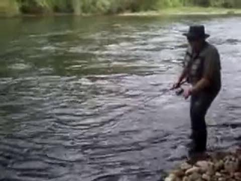 Técnica de pesca con cucharilla de Salmón,explicación Tino Faez