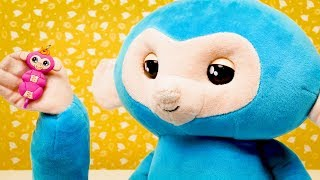 Fingerlings HUGS - Monkey Toys | Playing Videos for Kids | Toy Videos