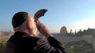 Rabbi Gold Sounding the Shofar