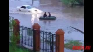 На лодке по улице Василенко