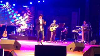 Singer KK singing Saanson Ke from Raees, Live for the First time at Chaos 17, IIM Ahmedabad