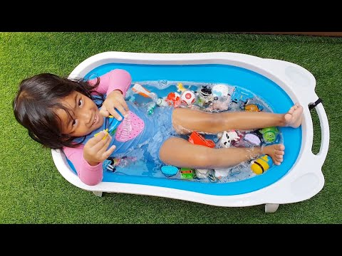 Mandi Bersama Mainan Mainan,little Pony,hello kitty,minions,Ikan dory,Ikan nemo,Sofia The First