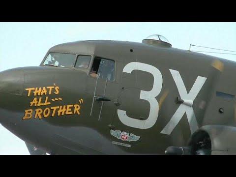 العرب اليوم - شاهد: عودة أول طائرة إنزال للجنود الأميركيين في الحرب العالمية الثانية إلى أوروبا