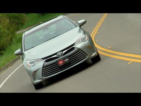 Car Tech - 2015 Toyota Camry XLE V6